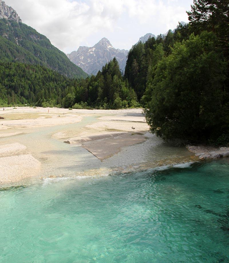 agua muito azul alpes julianos jasna eslovenia