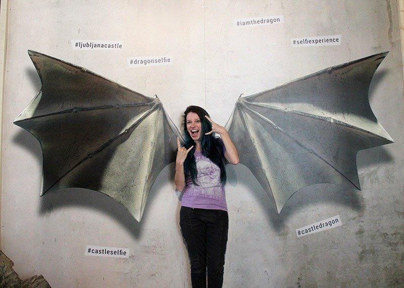 asas de dragao pintadas foto castelo de liubliana