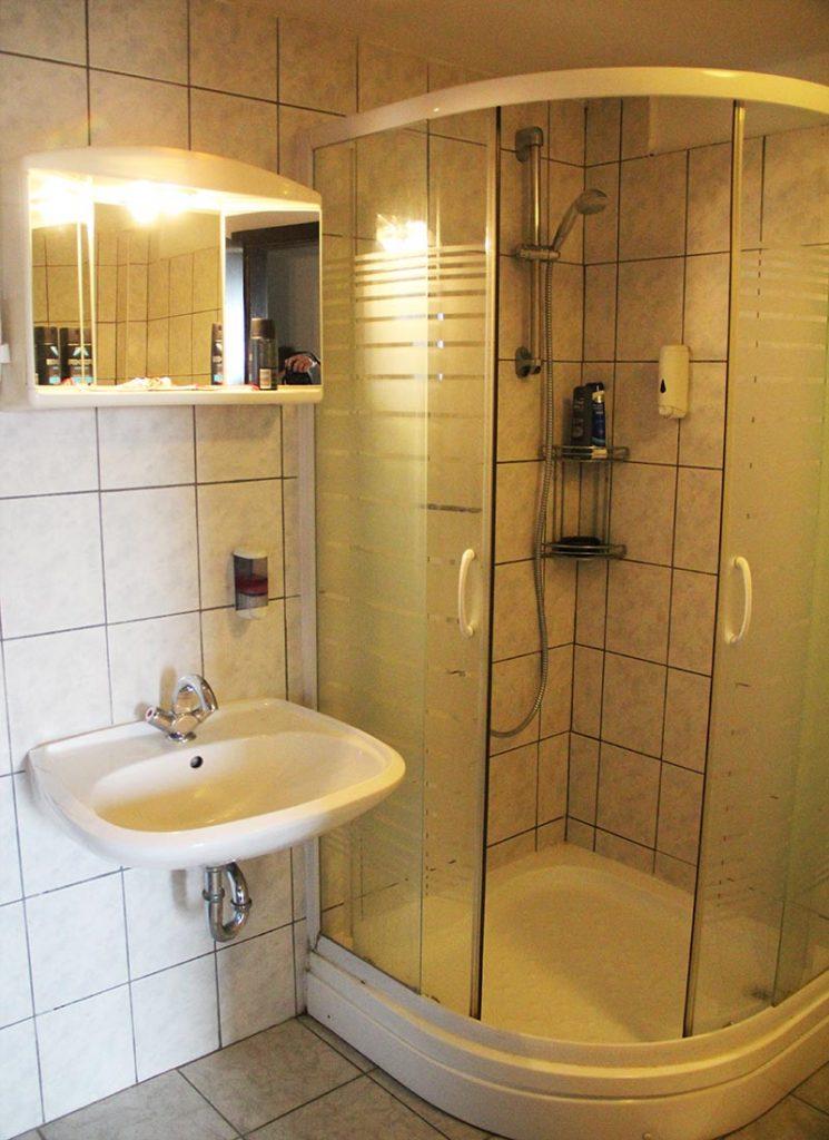banheiro hotel hisa budja