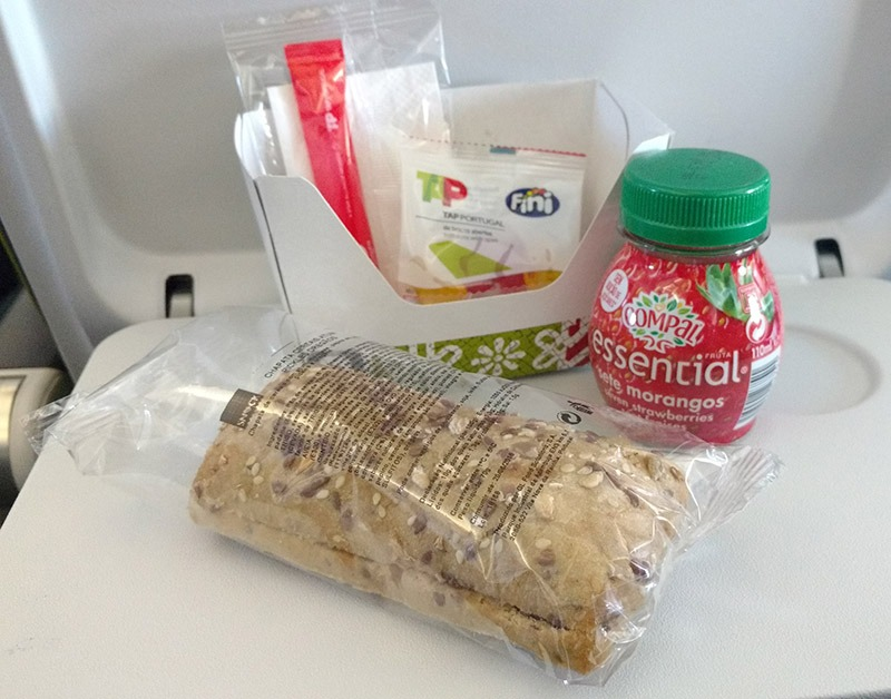 cafe da manha voo tap air portugal lanche