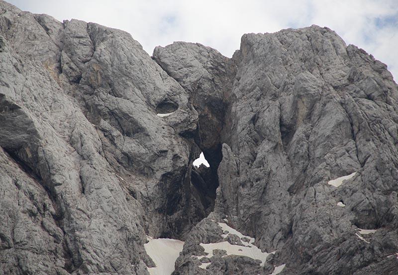 janela natural Prisank alpes julianos