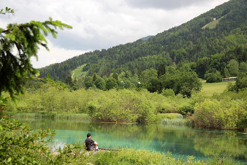 lago na eslovenia azul zelenci