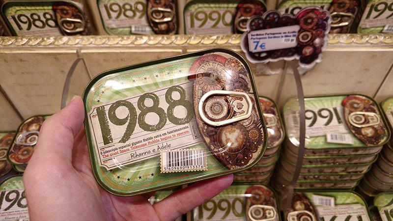 lata de sardinha com data lisboa presente