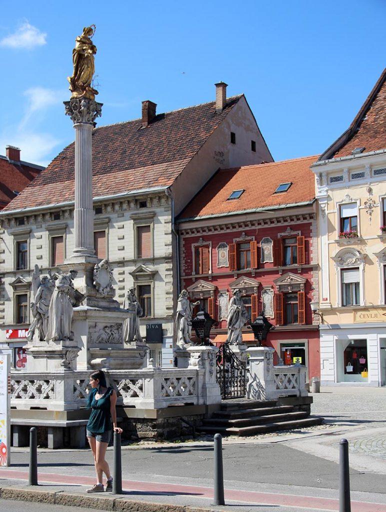 monumento praça principal coluna da praga