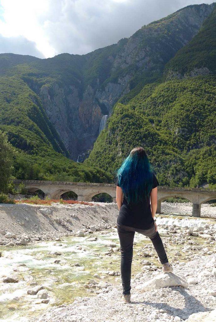 ponte e cachoeira boka soca valley eslovenia