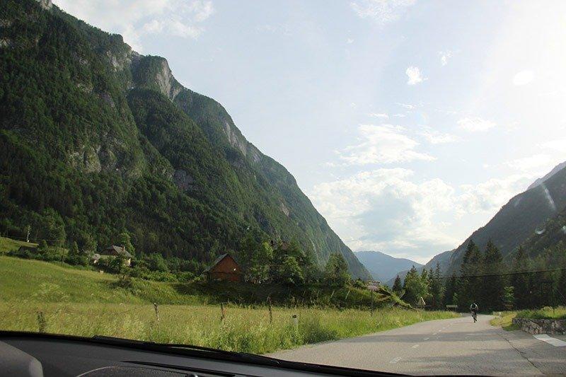 soca valley estrada eslovenia