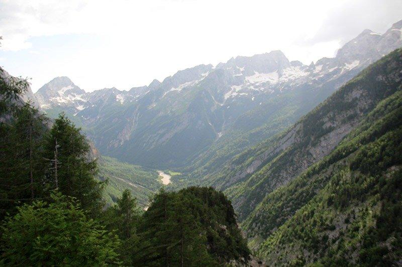 vale soca trenta estrada eslovenia montanha