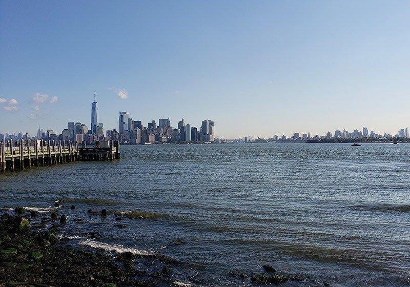 ilha liberty vista para manhattan o que fazer em nova york