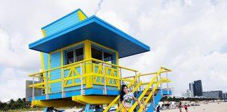 casa salva vidas em miami beach amarelo e azul