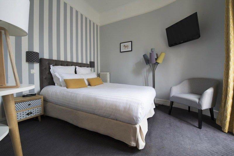 dicas para escolher hotel em paris bom e barato