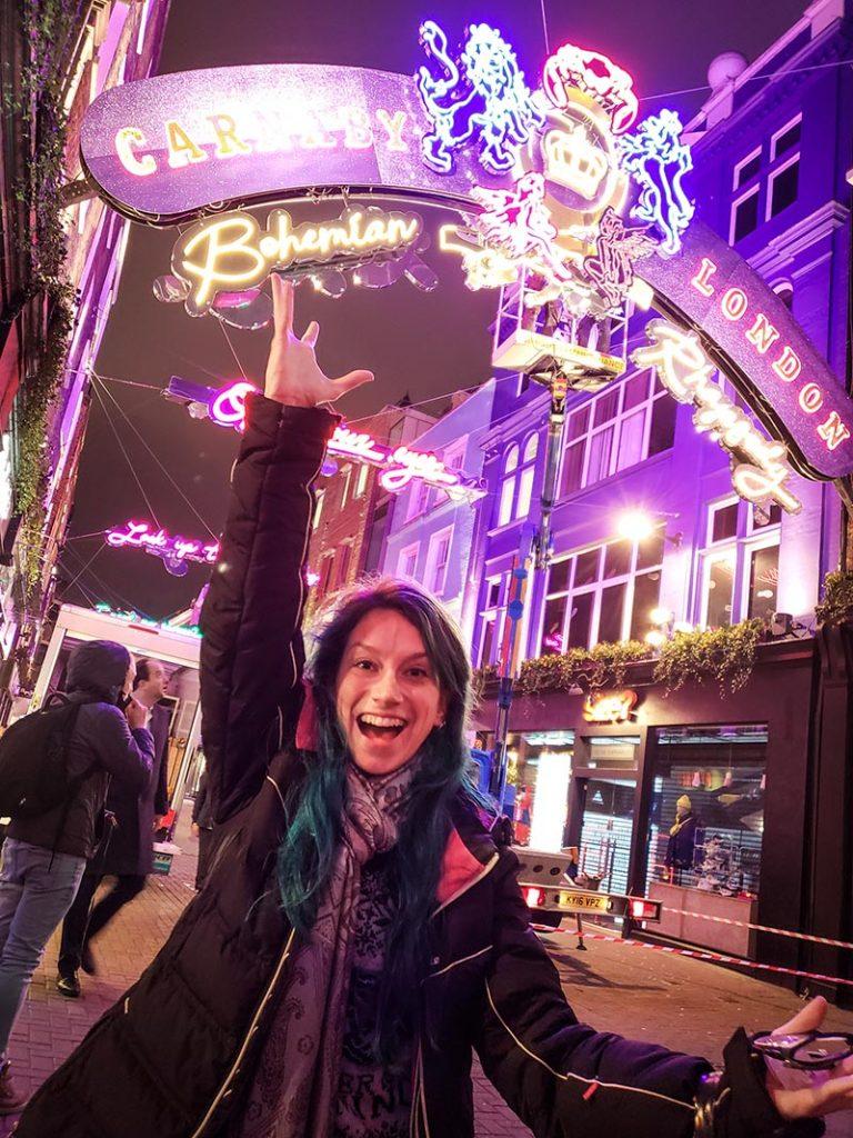 instalação luz carnaby street queen bohemian rhapsody
