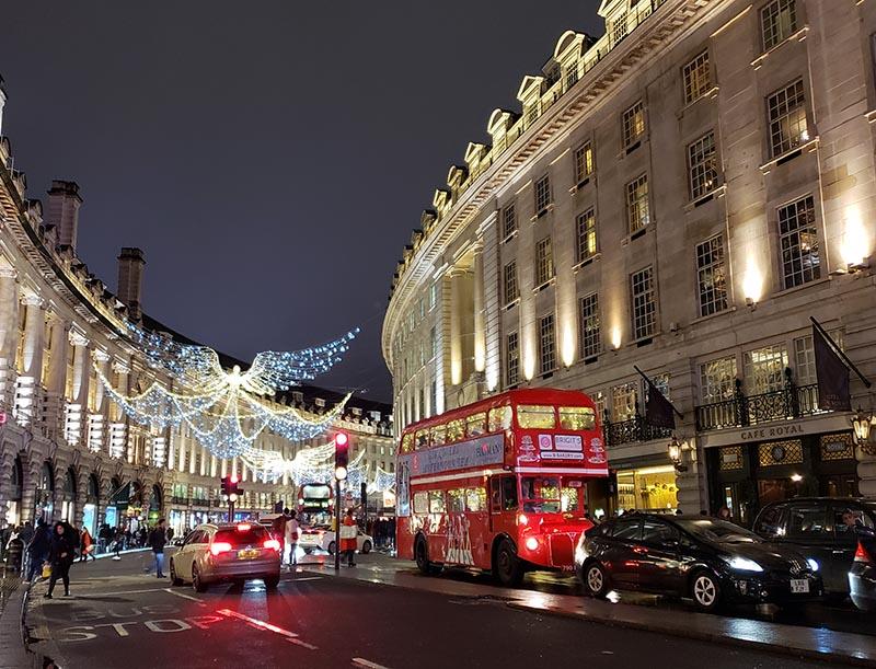 londres no natal rua com luzes onibus vermelho