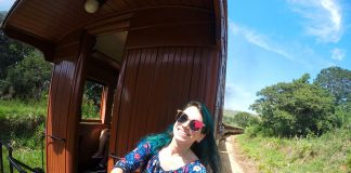 mulher pendurada no trem tiradentes são joão del rei minas gerais