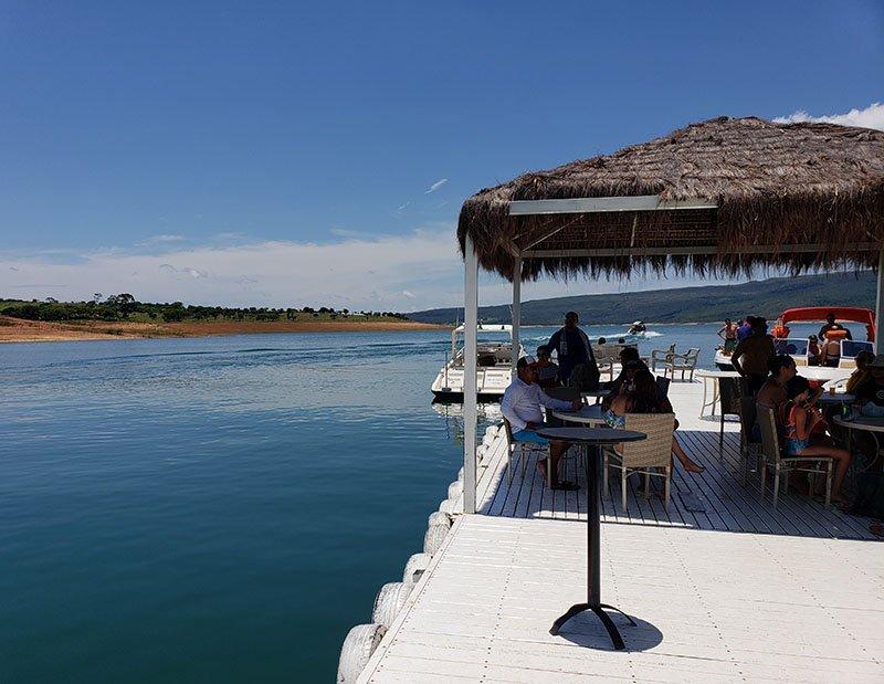 bar flutuante lago de furnas mar de minas