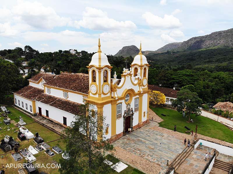 igreja matriz santo antonio em tiradentes vista de cima