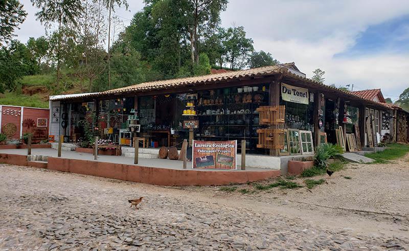 lojas na estrada em minas gerais bichinho