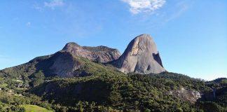 lugares tranquilos para viajar no carnaval no brasil pedra azul