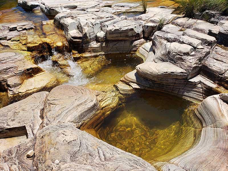 ofuro natural pedra ancorada melhores cachoeiras capitolio