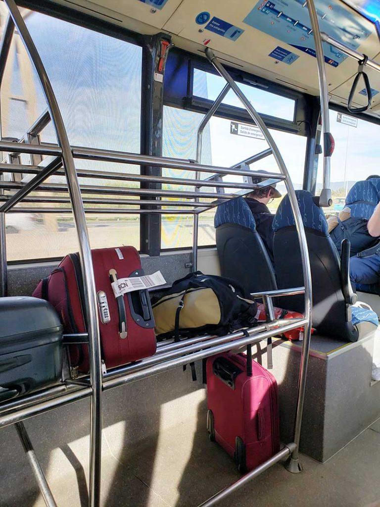 Espaço para malas dentro do Aerobús