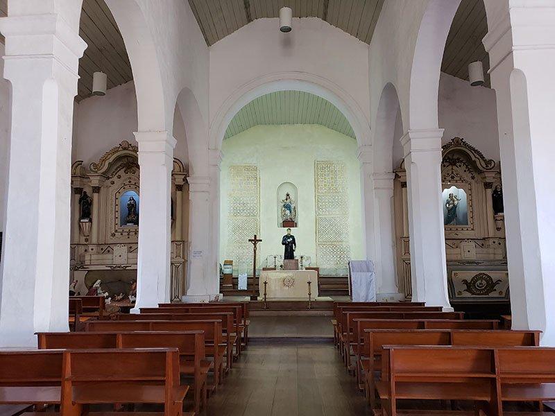 Dentro da Igreja do Santuário Nacional José de Anchieta