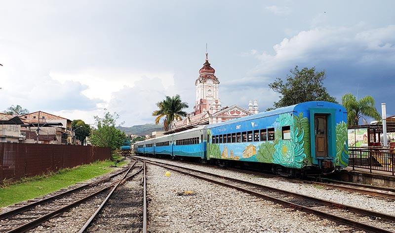 Trem Mariana Ouro Preto atrações em Mariana