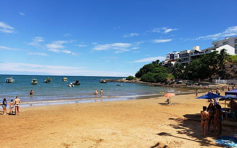 Praia da Costa Azul durante a semana