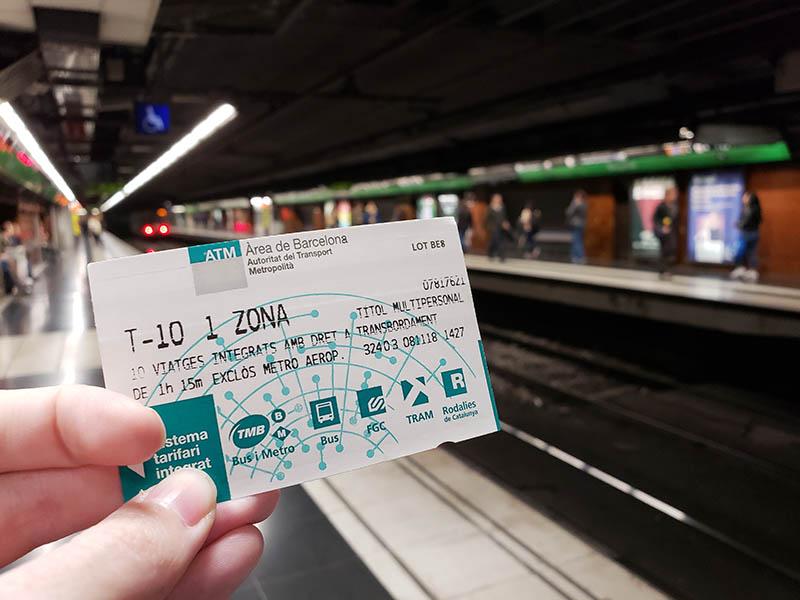 Ticket T-10 usado no metrô e ônibus em Barcelona