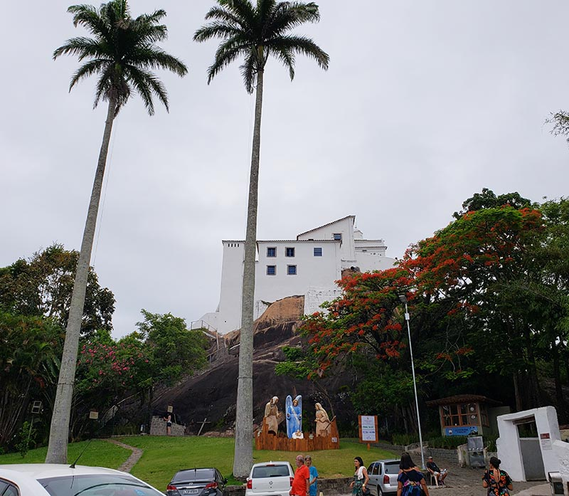 Convento da Penha visto do estacionamento