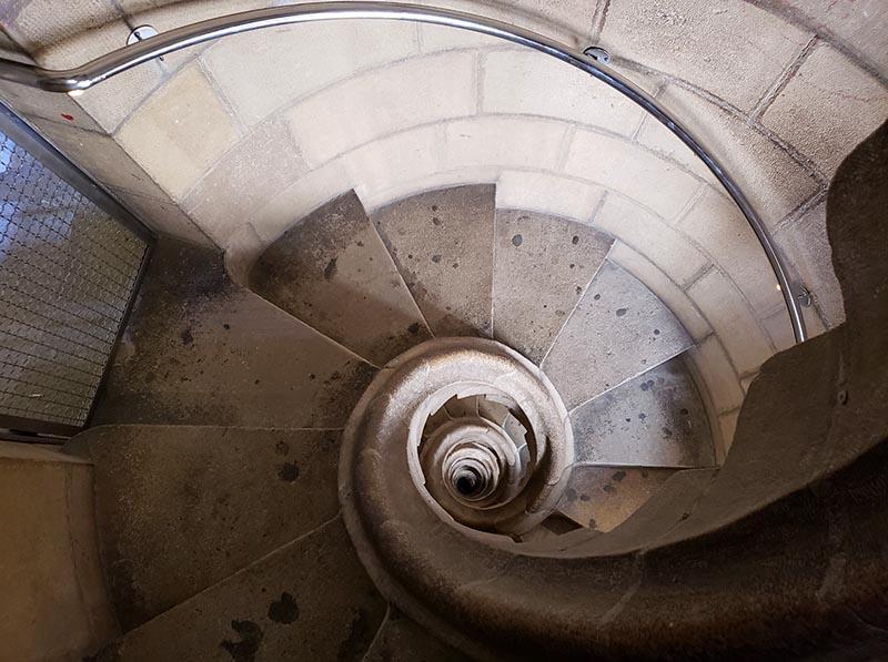 Escada da torre Paixão