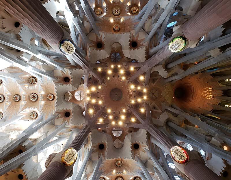 Teto magnífico da Sagrada Família
