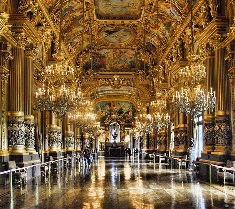 Ópera Garnier é uma opção ótima para visitar Paris na chuva.