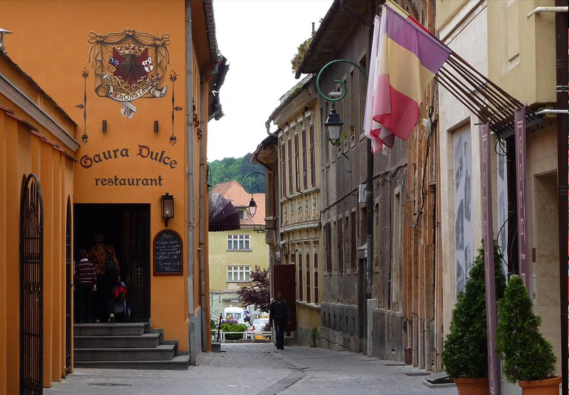 Ruas de Brasov na Transilvânia
