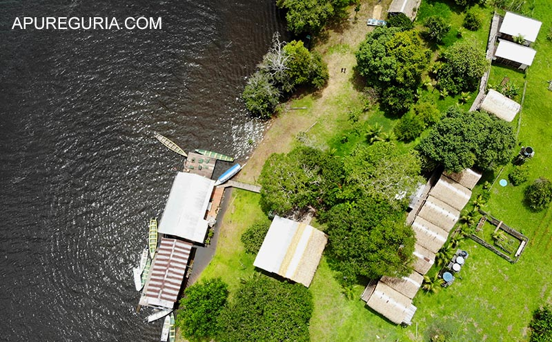 Vista aérea da Pousada Juma Lake. Viagem para a Amazônia