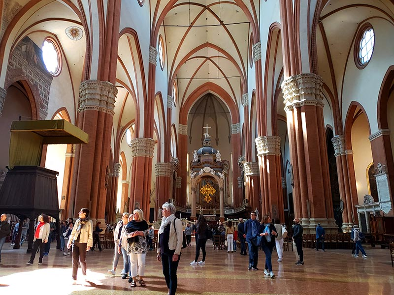 Interior da Basílica de São Petrônio
