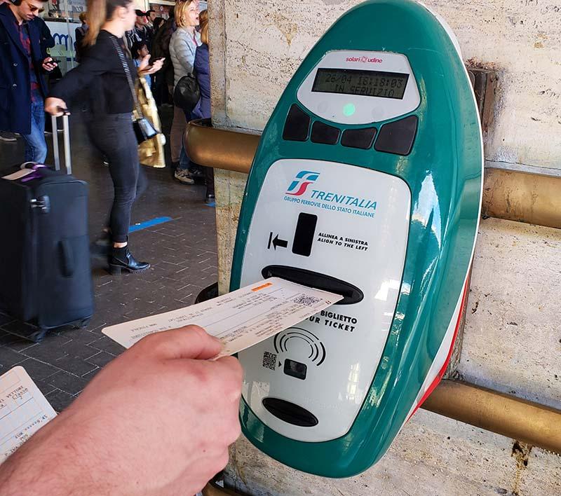 maquina para validar bilhete de trem na italia