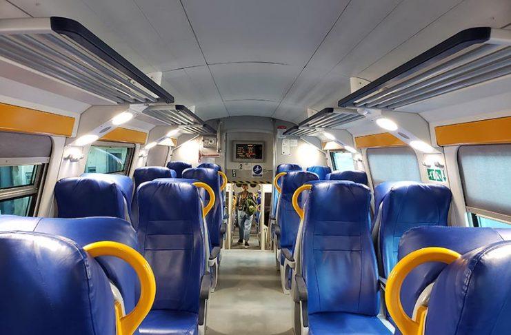 Interior do trem regional
