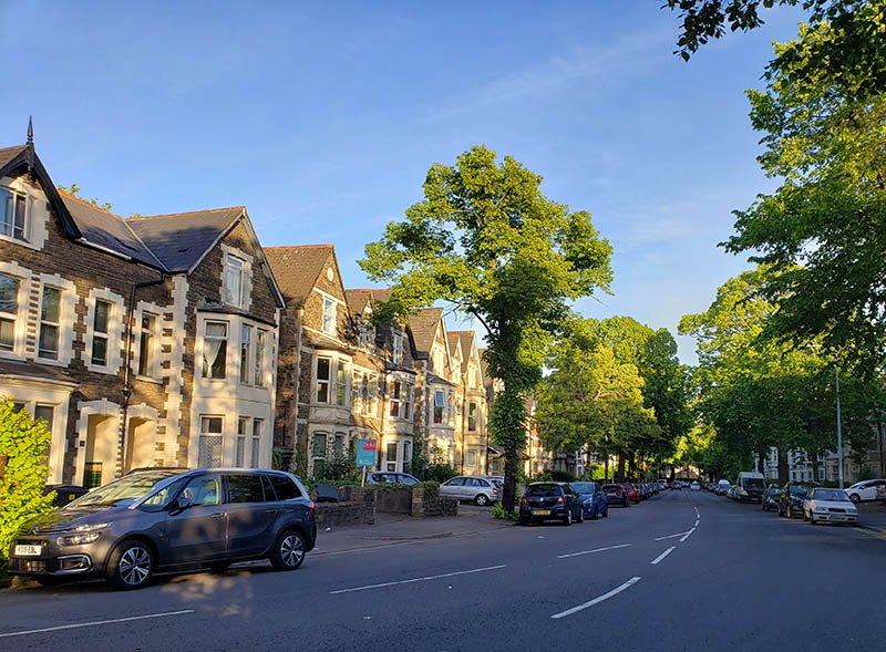 Ruas charmosas de Cardiff