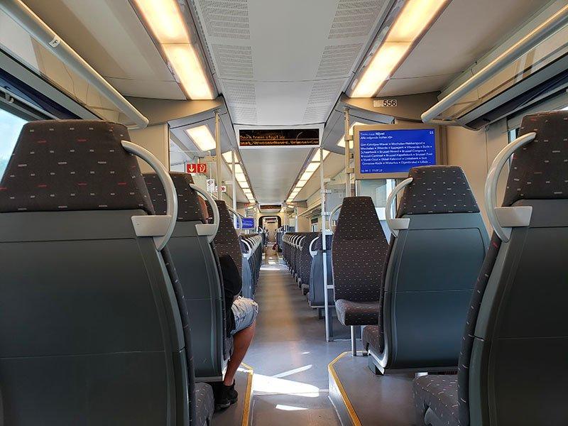 Como é o interior dos trens belgas