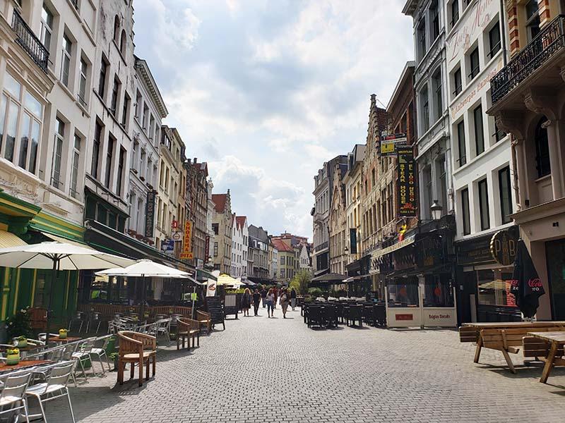 Ruas fofinhas no centro histórico da Antuérpia