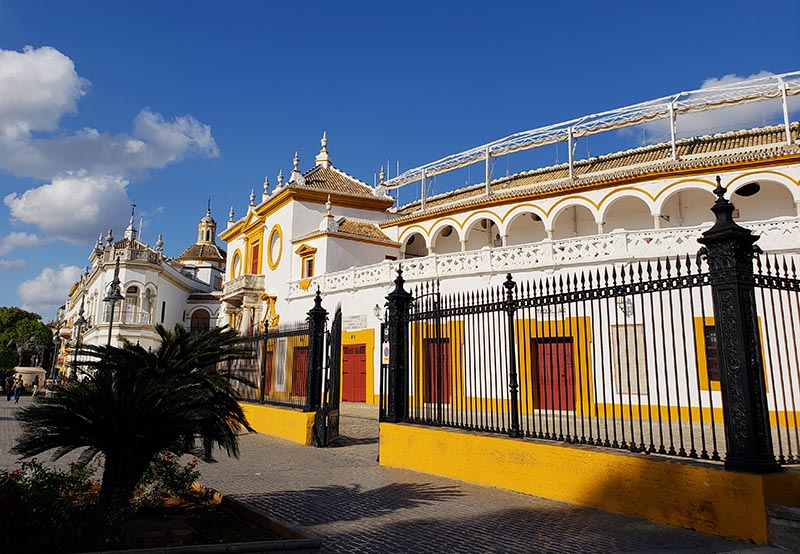 Fachada da Arena de Touros em Sevilha