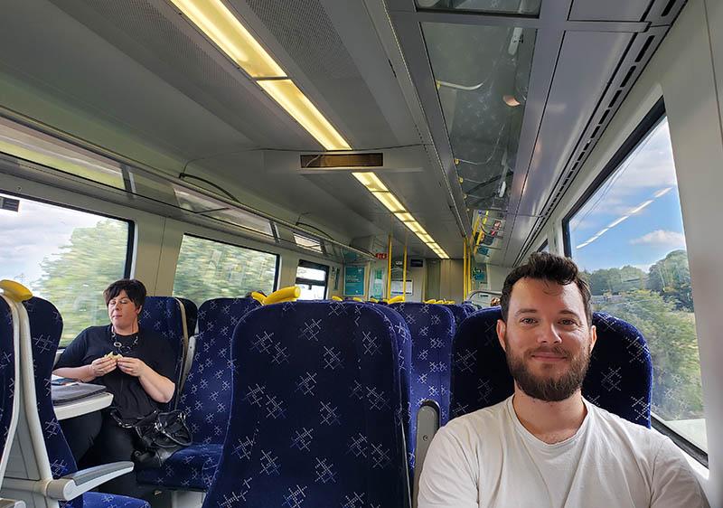 Interior do trem na Escócia