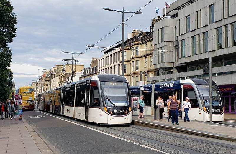 transporte em edimburgo bus tram