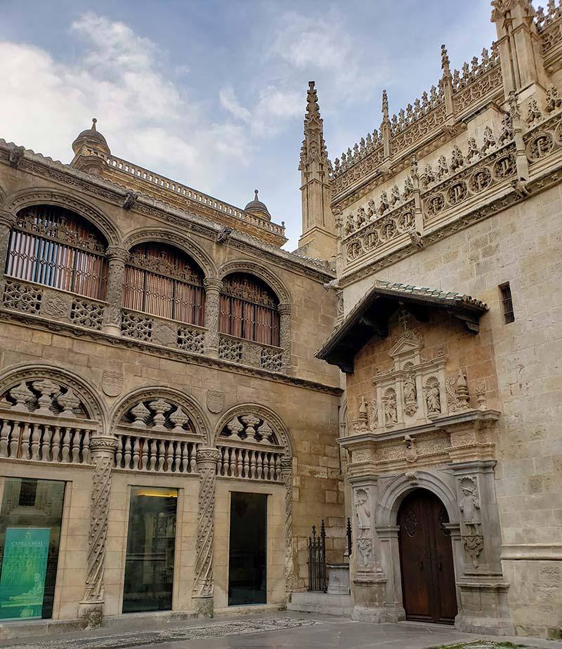 Fachada da Capela Real em Granada