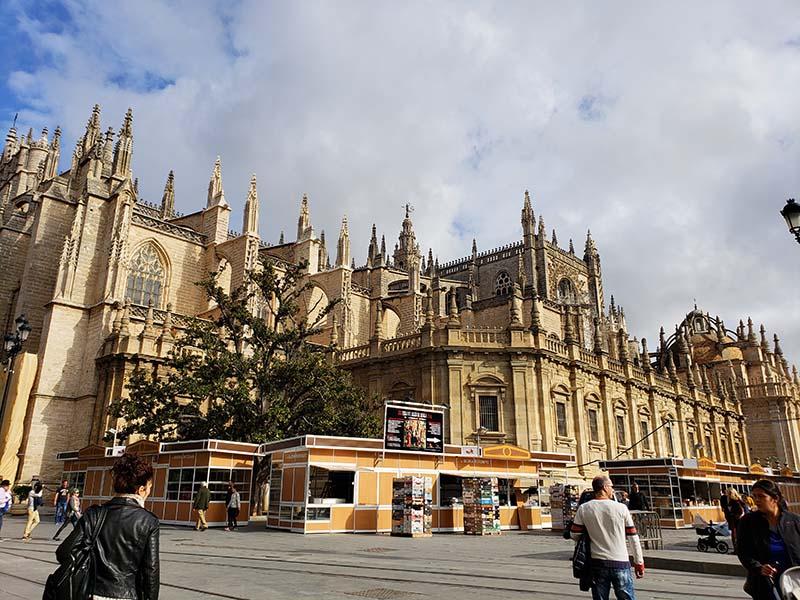 Catedral de Sevilha no centro histórico