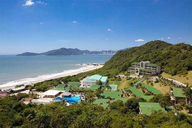 Vista do resort na Praia dos Amores