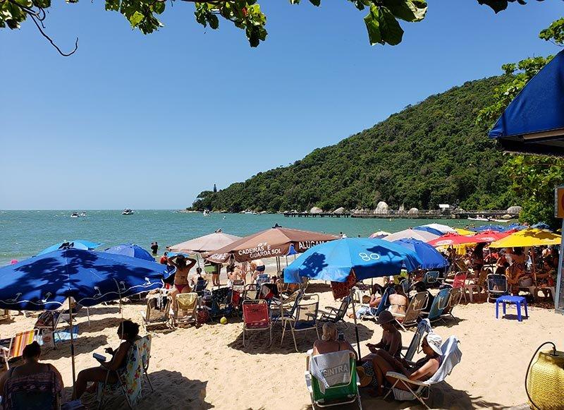 praia laranjeiras santa catarina