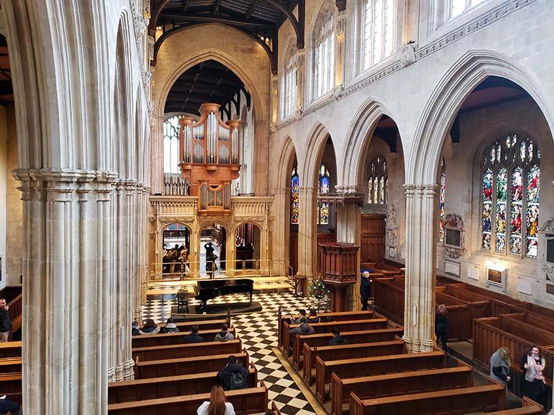 Igreja Santa Virgem Maria interior