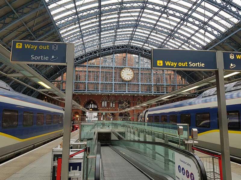 como ir de londres a paris de trem eurostar Estação St Pancras