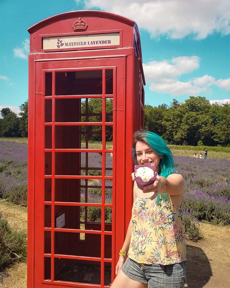 cabine telefonica inglesa lavanda