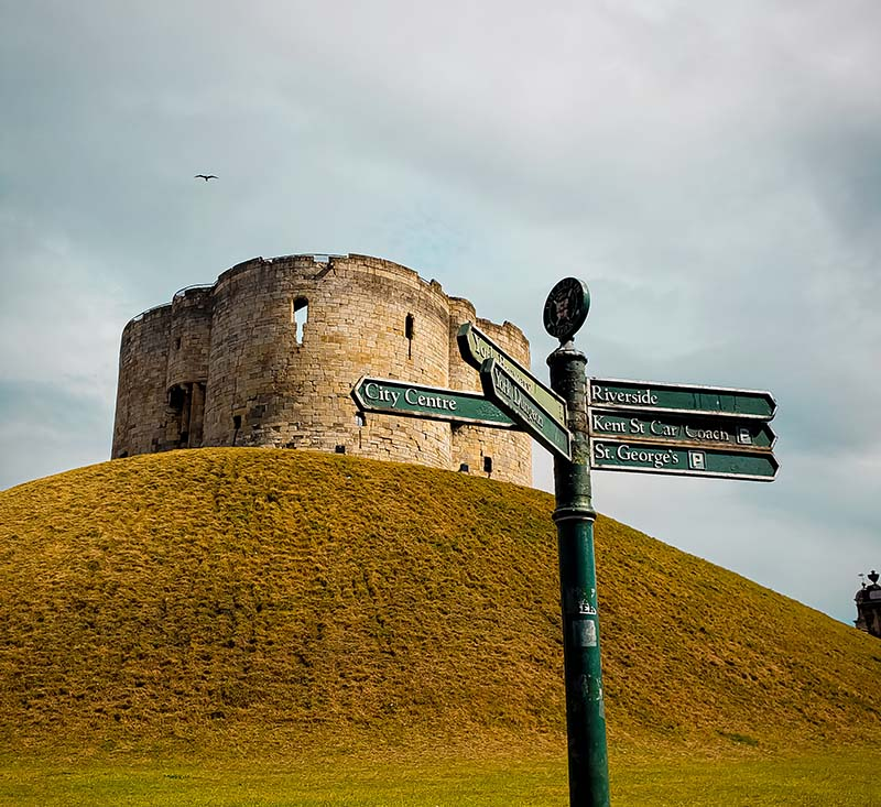 cliffords tower castelo torre